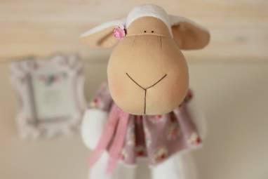 Интерьерная игрушка овечка ручной работы