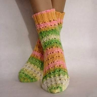 """Носки-домашняя обувь женские """" Батик """" ручной работы"""