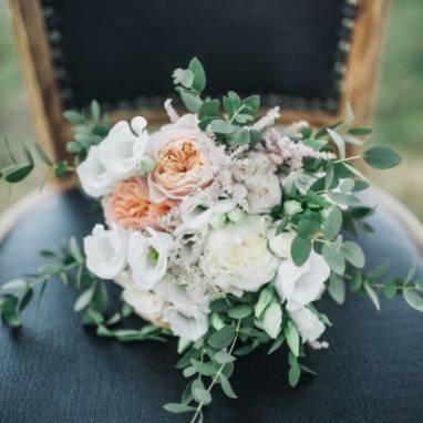 Букет невесты с розой пионовидной ручной работы