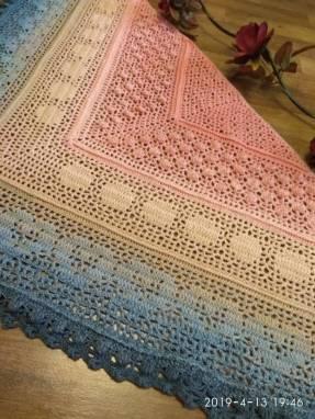 Вязаный платок (бактус)  ручной работы