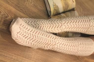Гольфы вязанные с узором ручной работы
