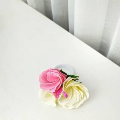 Резинка для волос из фоамирана ручной работы