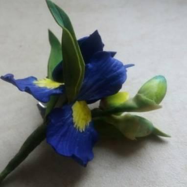 брошь синий ирис  из фоамирана ручной работы