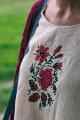 "Женская вышиванка ""Кветкі"" ручной работы"