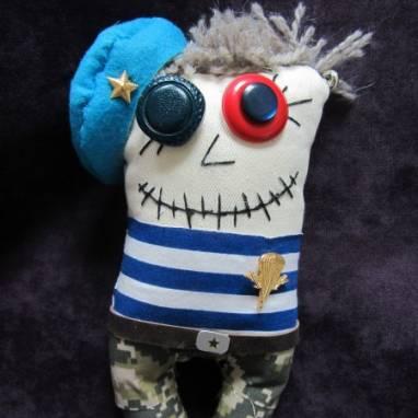 Авторская игрушка Зомби-той Солдат ВДВ ручной работы