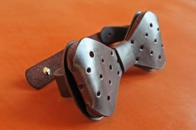 Галстук-бабочка кожаная ручной работы
