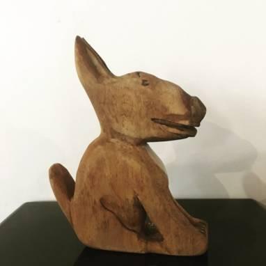 Собака из дерева ручной работы