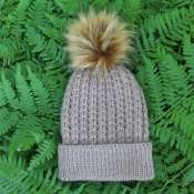 шапка с помпоном колоски