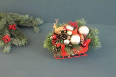 Новогодний подарок в санках ручной работы