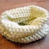 Теплый шарф-снуд крючком в 1 оборот. Нежного цвета.