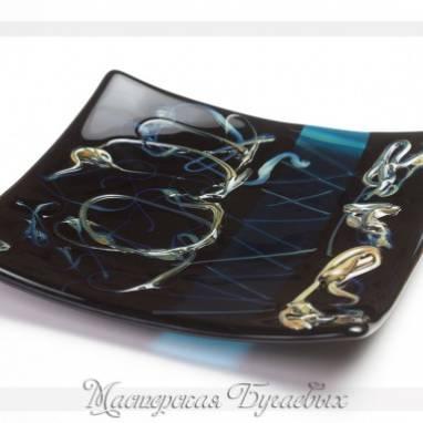 """Тарелка из стекла """"Ночь"""" фьюзинг ручной работы"""
