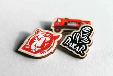 Значок Dakar ручной работы