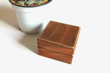 дерервянная коробочка для колец ручной работы