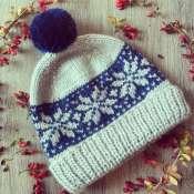 Вязаная жаккардовая зимняя шапка