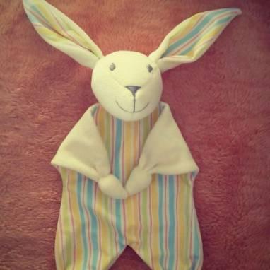 Заяц-комфортер ручной работы