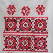Жаночыя футболкi з беларускімі арнаментамі.