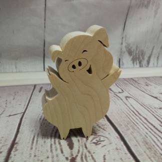 Статуэтка из дерева свинка на позитиве