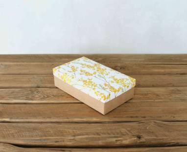 Коробка картонная подарочная ручной работы