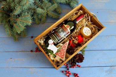 Подарок в деревянной коробке ручной работы
