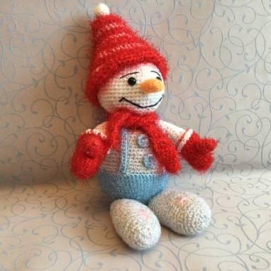 """Мягкая вязаная игрушка """"Снеговик"""" ручной работы"""