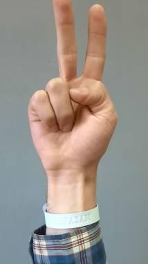 Белый браслет из кожи ручной работы