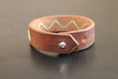 Натуральный кожаный браслет ручной работы
