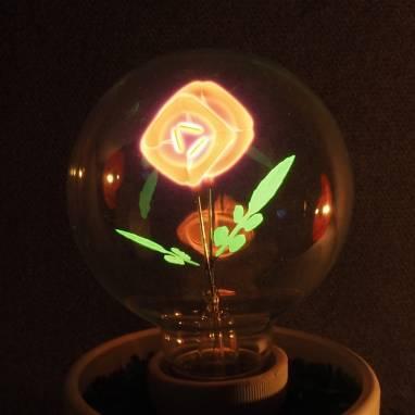 Горшочек с цветком  ручной работы