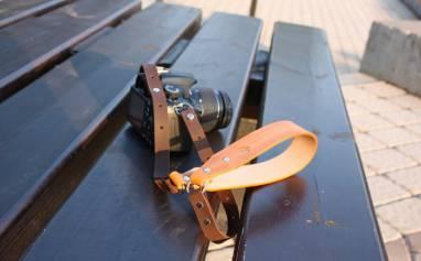 Ремень для фотокамеры кожаный (desert tan) ручной работы