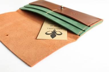 Кошелёк кожаный (mahogany-deep green) ручной работы