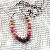 Слингобусы можжевеловые Коричнево-розовые