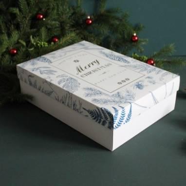 Большая подарочная коробка с новогодним принтом ручной работы