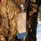 Кулон деревянный