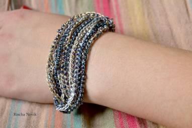 Вязанные браслеты с бисером ручной работы