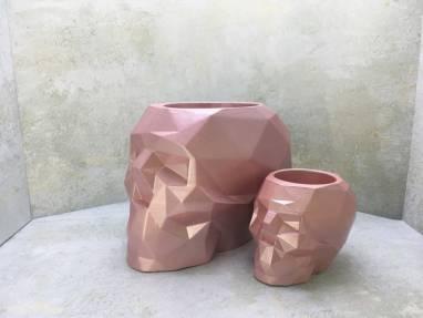 Полигональный череп цвета розовый металл ручной работы
