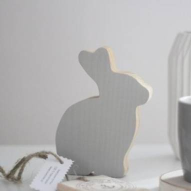 Кролики деревянные ручной работы