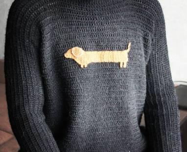 Теплый вязаный свитер ручной работы