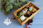 Набор с вином и с джемом в деревянной коробке