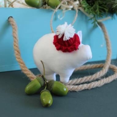 Игрушка на елку символ года свинка ручной работы