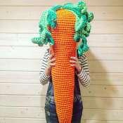 Вязаный пуф Морковка