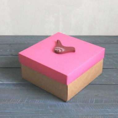 Коробка с розовой крышкой для девочки ручной работы