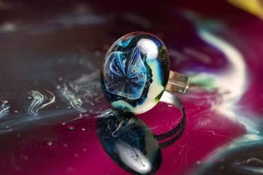 """Кольцо из стекла """"Медуза"""" ручной работы"""