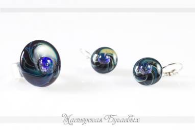 """Комплект украшений из стекла """"Синяя комета"""" фьюзинг ручной работы"""