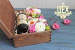 Цветочная коробка с вином