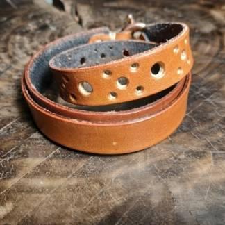 Кожаный браслет.