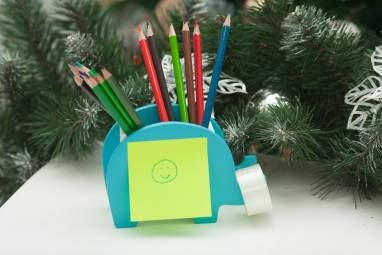 карандашница в виде слоника с функцией хранения телефона ручной работы