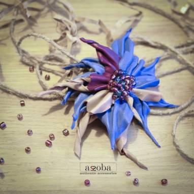 Модная брошка из натуральной кожи ручной работы