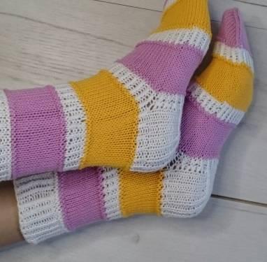 """Носки женские - домашняя обувь """" Белый - розовый - жёлтый """" ручной работы"""
