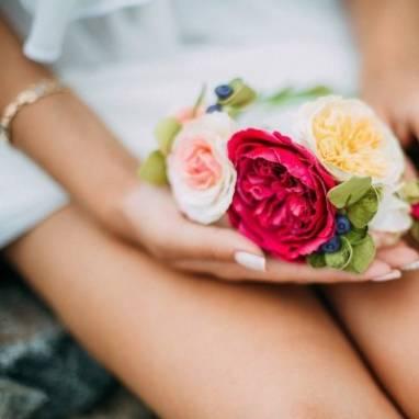 Веночек с розами  ручной работы