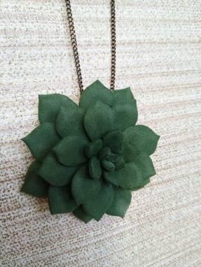 Комплект украшений кулон и кольцо с цветком из фоамирана ручной работы
