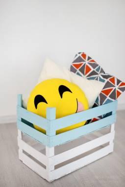 """Подушка-смайлик Emoji """"Радостный"""" ручной работы"""